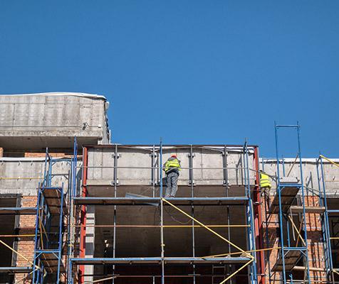 Échafaudages pour travaux immeuble